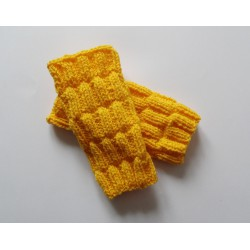 Mitenki w kolorze żółtym