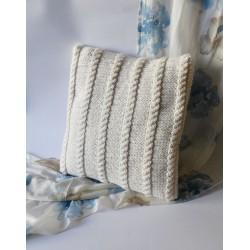 Poszewka na poduszkę w kolorze kremowym