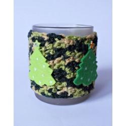 Ocieplacz na kubek zielony z choinkami