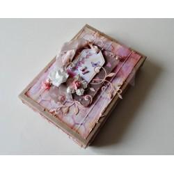 Pudełko z motylami