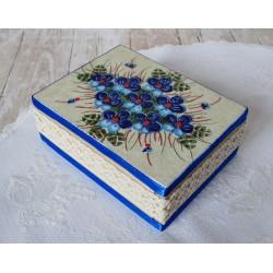 Pudełko z niebieskim bukietem
